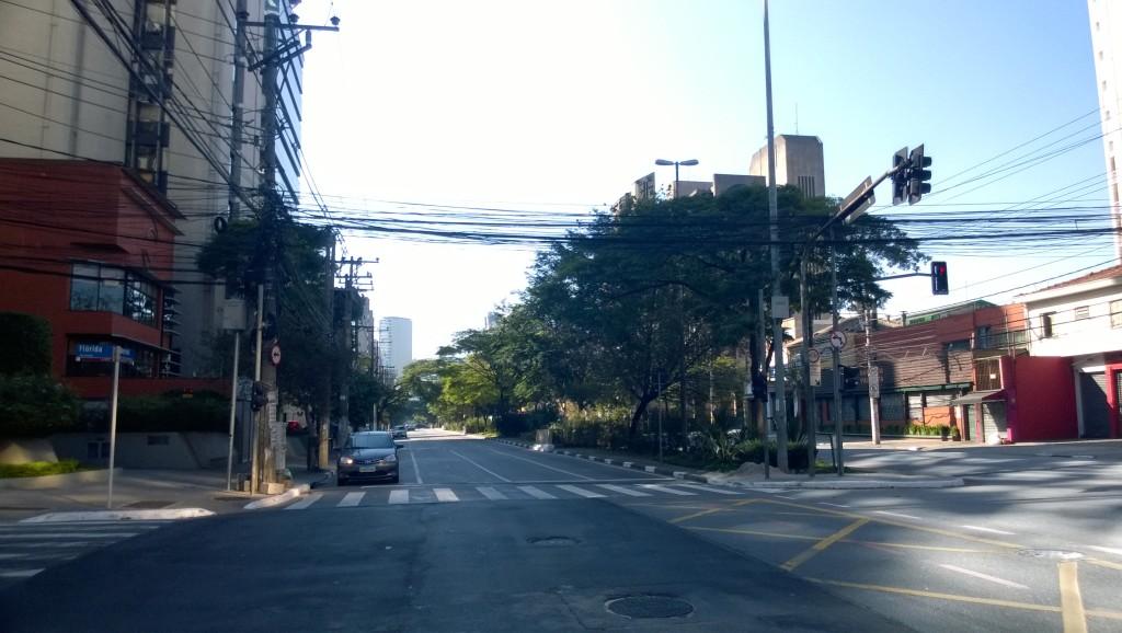Mittags am Feiertag: Leere Straßen in São Paulo. (Bild: T. Zwior)