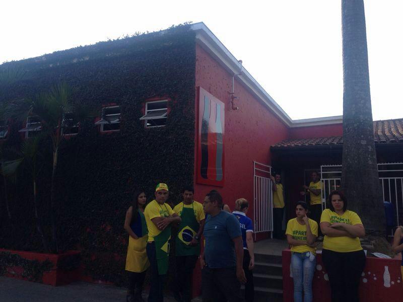 Tatenlos: Die Mitarbeiter des Mineirinha am letzten Samstag (Bild: privat)