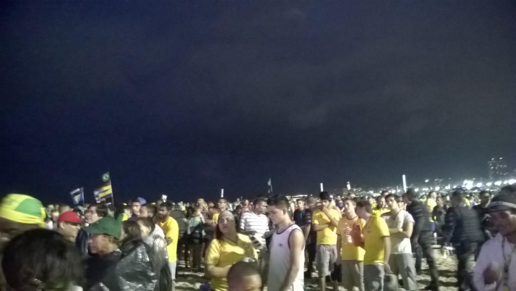 Fassungslosigkeit an der Copacabana (Bild: T. Zwior)